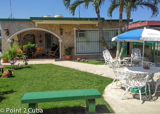 Rental house with swimming pool in guanabo 1013 point 2 for Casas con piscina para alquilar